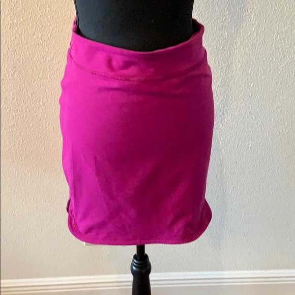 lululemon athletica Dresses & Skirts - Lululemon fuchsia skirt